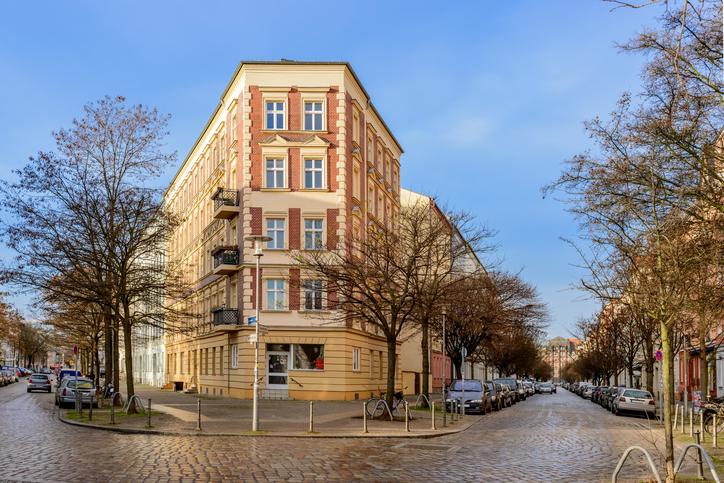 """Gruenderzeit"" neoclassicism: Historical ""Kaskelkiez"" (""Kaskel neighborhood"") in Berlin-Lichtenberg"